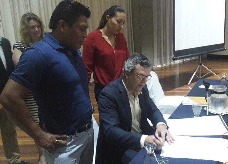 El Ministro de Ambiente ratifica su apoyo a los Pueblos Indígenas en el marco de la Estrategia REDD+